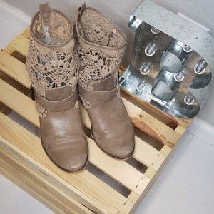 Bare Traps Palena Boots